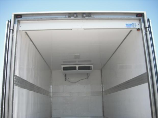 Въздушни завеси за хладилни тежкотоварни автомобили
