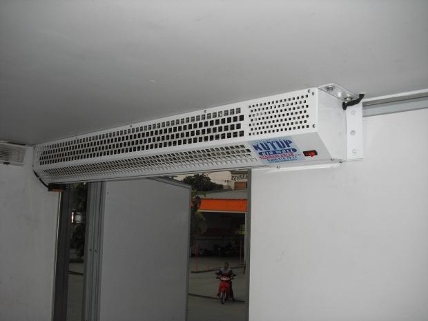 Въздушни завеси за хладилни камиони